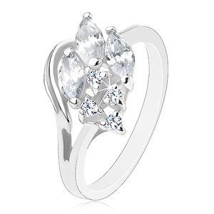 Błyszczący pierścionek w srebrnym odcieniu, bezbarwne wyszlifowane cyrkonie, zarys połówki serca - Rozmiar : 58