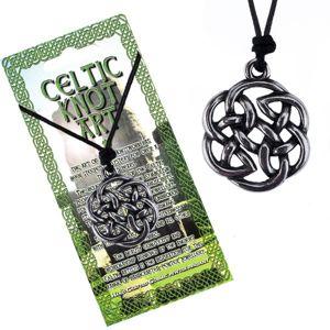 Czarny sznurek na szyję i lśniąca metalowa zawieszka, węzeł celtycki kwiat