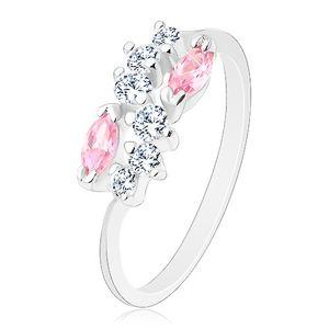 Lśniący pierścionek o zwężonych ramionach, srebrny kolor, bezbarwna fala i różowe ziarna - Rozmiar : 58