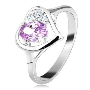 Lśniący pierścionek srebrnego koloru z zarysem serca, jasnofioletowa owalna cyrkonia - Rozmiar : 62