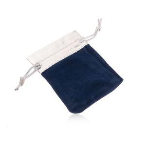 Niebieski upominkowy woreczek z aksamitu, górna część w srebrnym odcieniu