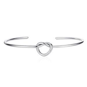 Okrągła stalowa bransoletka z węzłem w kształcie serca, kolor srebrny