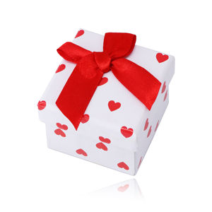 Pudełeczko na kolczyki lub pierścionek - kolor biały, czerwone serduszka z kokardką