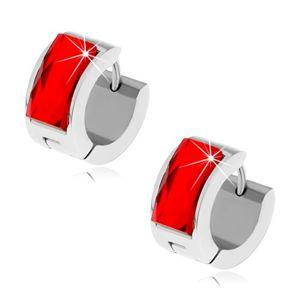 Stalowe kolczyki srebrnego koloru, rubinowo czerwony szlifowany kamyczek