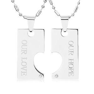 Stalowe naszyjniki dla dwojga, płytka z wycięciem w postaci połówki serca, napis