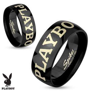 Stalowy pierścionek czarnego koloru, napis PLAYBOY w srebrnym odcieniu, 6 mm - Rozmiar : 55
