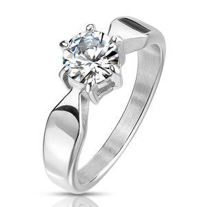 Stalowy pierścionek w srebrnym kolorze - połyskująca okrągła cyrkonia w koszyczku, zwężające się ramiona - Rozmiar : 56