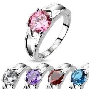 Stalowy pierścionek z ozdobnymi wycięciami i cyrkonią - Rozmiar : 50, Kolor: Przeźroczysty