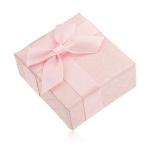 Upominkowe pudełeczko na pierścionek, różowy kolor, lśniąca powierzchnia, kokardka