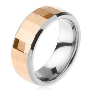 Wolframowy pierścionek - dwukolorowy, geometryczny szlifowany pas w złotym kolorze - Rozmiar : 49