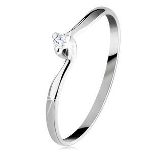 Zaręczynowy pierścionek z białego 14K złota - przezroczysty wyszlifowany diament, wąskie ramiona - Rozmiar : 52