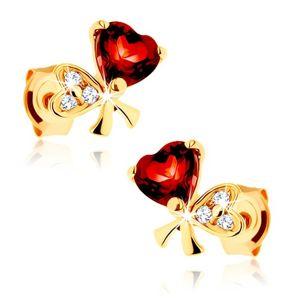 Złote kolczyki 585 - kokardka z dwóch serc, czerwony granat, przezroczyste cyrkonie