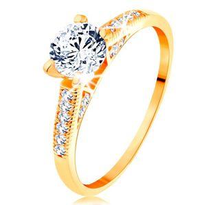 Złoty pierścionek 585 - błyszczące ramiona, podwyższona okrągła cyrkonia bezbarwnego koloru - Rozmiar : 62